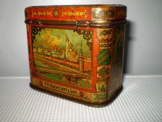 i love antique tins.