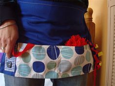 Tactile apron to stimluate people with dementia