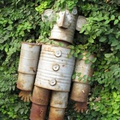 Recycler's dream: how to make a Tin Can Man.