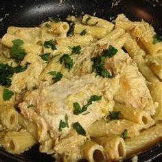 Slow cooker Chicken and artichokes in Garlic Lemon Alfredo sauce ...