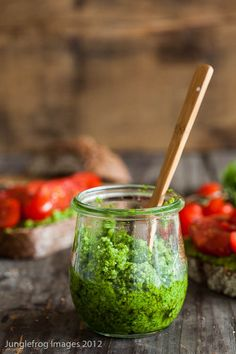 rocket pesto with olive oil from Oligiano