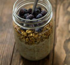 We love @Bob's Red Mill blueberry apple granola + almondmilk + fruit. Easy on-the-go breakfast. #CeliacBreakfast