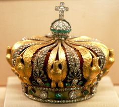 Ornate French crown!