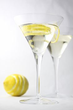 Hummingbird Cocktail - Lemon Peel, Prosecco, St. Germain, Club Soda