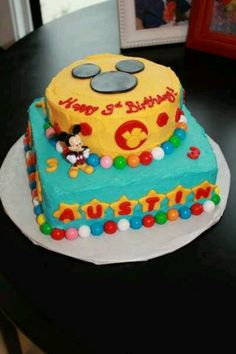 Mickey Mouse Clubhouse cake:)
