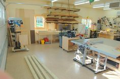 Check the plastic curtains separating the chip collector on the mitre saw station