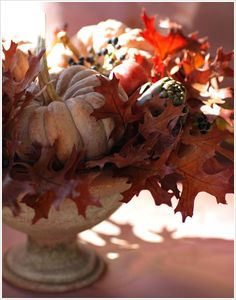 fall leaves, autumn, fall harvest, decorating ideas, thanksgiving centerpieces, harvest decorations, thanksgiving table, white pumpkins, table centerpieces