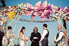 Ceremonia decorada con molinillos de colores. Totalmete diferente. Una idea 10!
