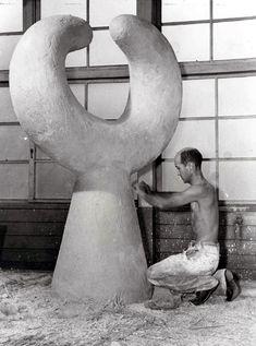 Isamu Noguchi at Work