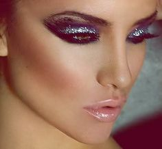 sparkle makeup.