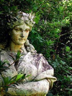 Garden statue creates a serene corner
