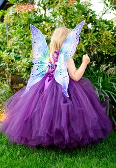 | All Things Purple / Beautiful child and butterfly