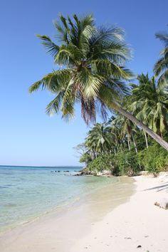 Pantai Tanjung Gelam, Karimunjawa, Java