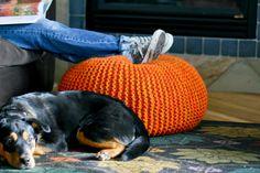 knitting projects, floor pillow, knit pouf, easi chunki, chunki knit