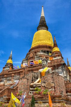 Wat Yai Chaimongkol in Thailand