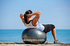 Show off your six-pack in no time with the Beginner's Flat Abs Workout - Plus Core Strengthening #skinnyms #fitness #beginnerworkouts #flatabs #core #strength