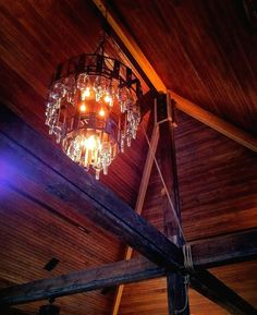 Great wooden ceiling & exposed beams