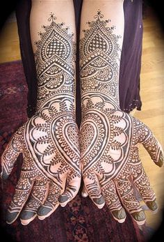 henna hands for all!