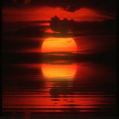 Sun Set /  sunset / Animated Gif by Bahman Farzad, via Flickr