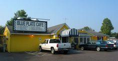 favorit place, banana pancakes, breakfast, bananas, blue plate