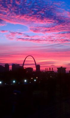 St. Louis Arch at dusk
