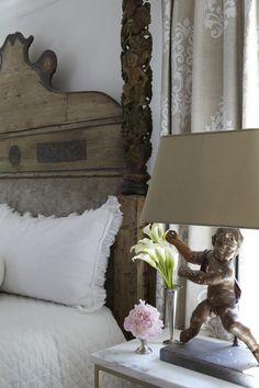 interior, design bedroom, ware design, jan ware, lamps in bedrooms, bedside tables, bedroom curtains, antique headboards, antiques