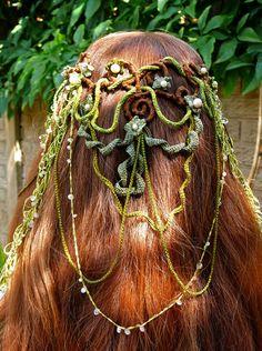 Bridal elven headdress by VynnsRavelings