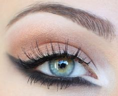 Winged Liner, Nude Lid.