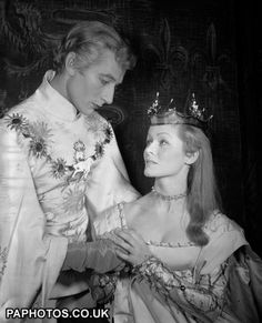 John Neville, in costume for his first major leading role, as King Richard II, with Virginia McKenna as the Queen, at the dress rehearsal of...