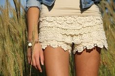 putting lace over an old pair of shorts.. I want to try this!