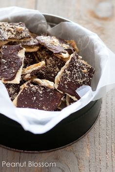 Saltine cracker toffee (Christmas Crack) recipe | Peanut Blossom