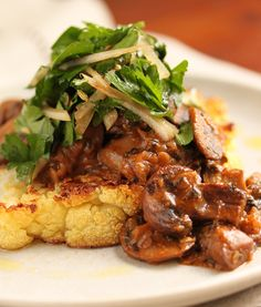 Cauliflower Steak with Mushrooms & Hee Hee - make it vegan by using vegetable broth in place of chicken broth mushroom, foods, steak dinners, weight loss, cauliflower recipes, eat right, dinner entrees, healthi weight, weightloss