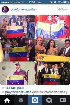 En Premios Lo Nuestro los artistas expresan su apoyo a #Venezuela pic.twitter.com/1F3xYyerRq