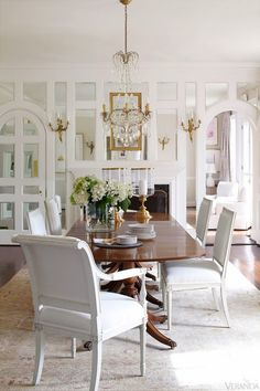Beautiful dining room via Mix and Chic.