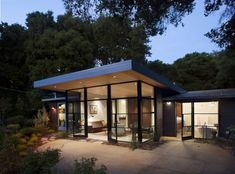 Menlo Oaks 2 by Ana Williamson Architect