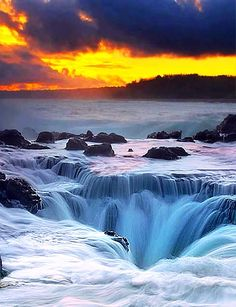 Thor's Well, Oregon.I want to go see this place one day.Please check out my website thanks. www.photopix.co.nz