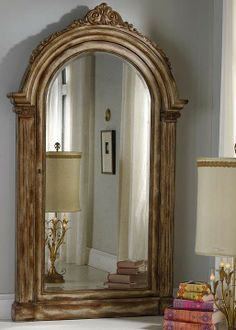 The stunning Elizabeth Storage Mirror is specifically designed for organizing and storing your favorite jewelry items.
