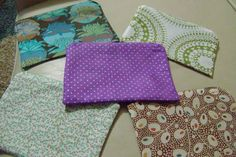 Zippered pouches by Oodelally on Craftster