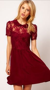the color, the lace, that collar...
