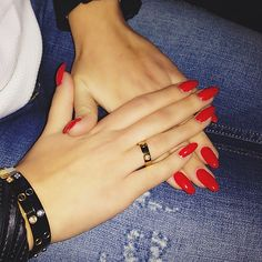 Dope nails of the day ;) I am really into this oval shaped nail! What is your go-to red polish?