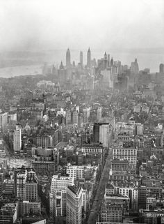 """1932. """"New York City views, skyline."""" Front-and-center is our old friend the Flatiron Building. 4x5 nitrate negative by Arnold Genthe."""