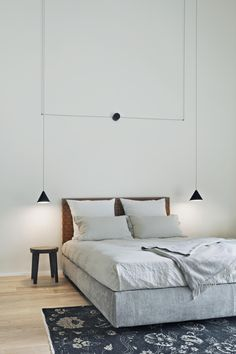 String light ceiling lamp by Michael Anastassiades 📷 Germano Borrelli