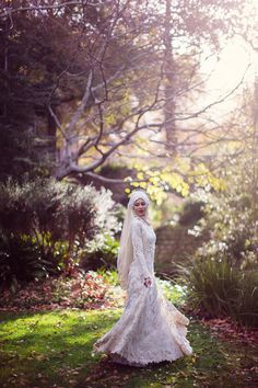 I know this was a Muslim bride, but I see Maid Marion. Breathtaking Garden Bridal Portraits = JoAnn Stokes Photography