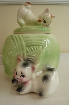 vintage bisque kittens & ball of yarn cookie jar