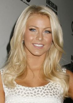 http://lifeandluxury.hubpages.com/hub/Makeup-for-Blonde-Hair-Tan-Skin-and-Blue-Eyes