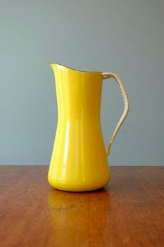 Mellow Yellow Enamel from @Wendy Felts Werley-Williams.luola.etsy.com