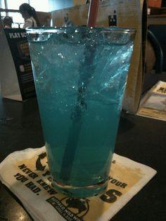 Buffalo Wild Wings electric lemonade...mmhmm :) #UltimateTailgate #Fanatics