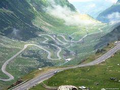 http://www.eurocars.ro/blog/wp-content/uploads/2011/06/Transfagarasanul_-_Arges_big.jpg