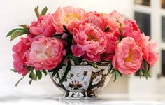 Big, bold peonies - my favorite flower! peoni arrang, bowl, low centerpieces, tory burch, inside houses, bold peoni, antique china, flower, pink peonies