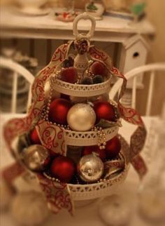 Christmas Centerpiece by Romantic Home on Flickr.